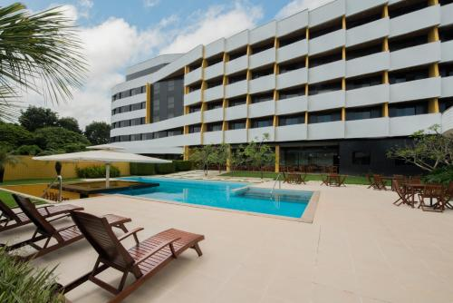 The swimming pool at or near Hotel Regente Paragominas
