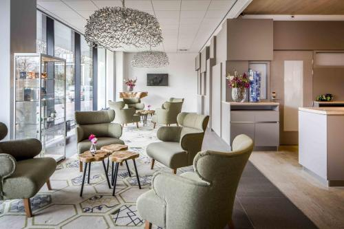 The lobby or reception area at Babylon Hotel Den Haag
