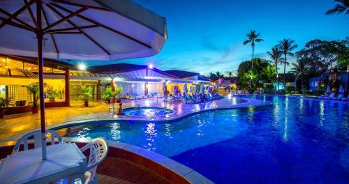 A piscina localizada em Resort Arcobaleno All Inclusive ou nos arredores