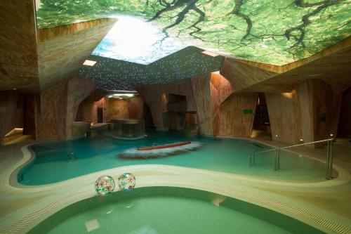 The swimming pool at or close to Viiking Spa Hotel