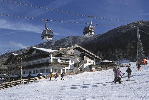 Hotel Heinz during the winter