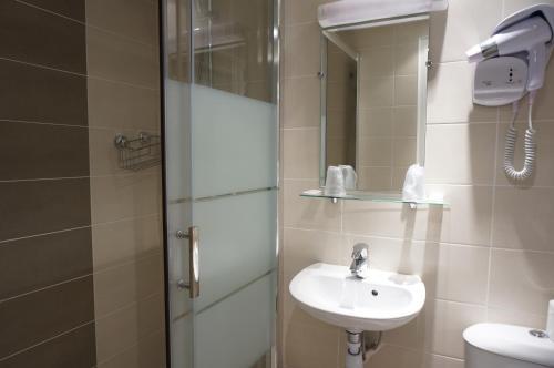 A bathroom at Hotel Zora