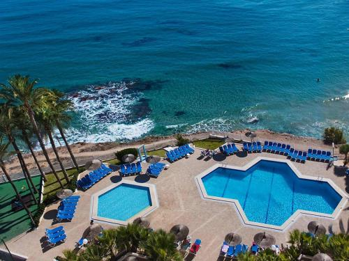 A view of the pool at Hotel Servigroup La Zenia or nearby