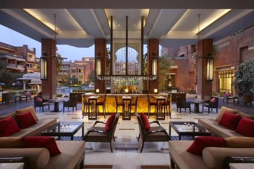 A restaurant or other place to eat at ITC Rajputana A Luxury Collection Hotel