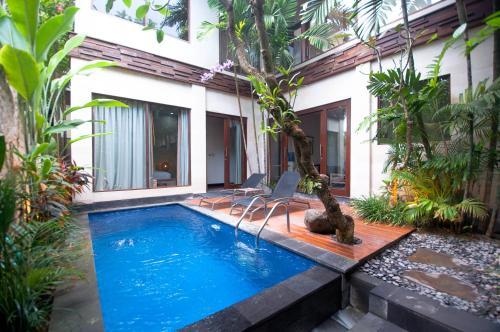 Kolam renang di atau di dekat The Dipan Resort, Villas and Spa