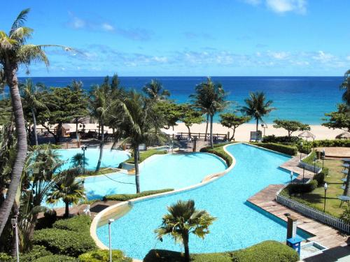 A view of the pool at Chateau Beach Resort Kenting or nearby