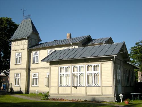 Ēka, kurā atrodas viesu nams