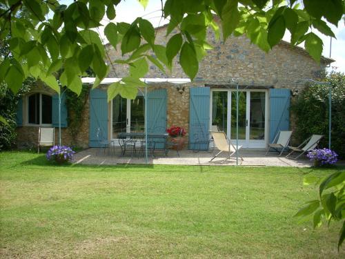 A garden outside Domaine Le Rolant