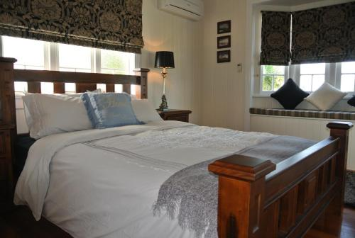 A bed or beds in a room at Ocean Serenity