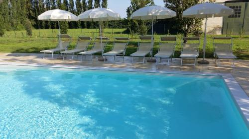 The swimming pool at or near Hotel Venice Resort Airport