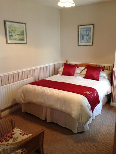 A bed or beds in a room at Atlantic House