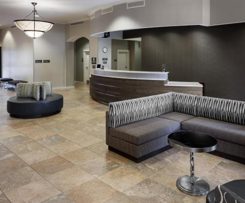 The lobby or reception area at Residence Inn Fort Worth Cultural District