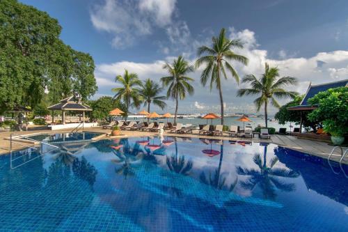 Het zwembad bij of vlak bij Siam Bayshore Resort Pattaya