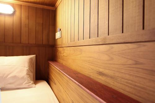 Säng eller sängar i ett rum på Hogwortz hostel Krabi