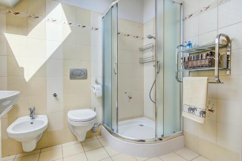 A bathroom at Apartament Czarny Potok Zakopane
