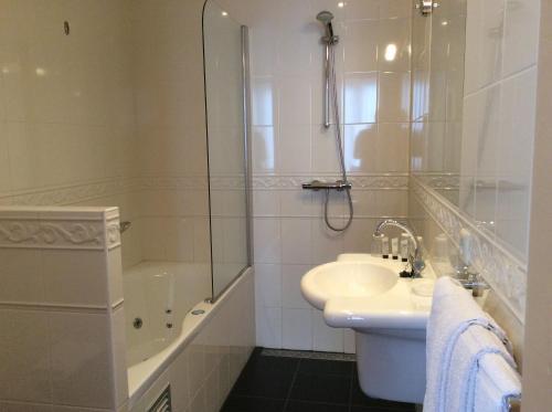 Salle de bains dans l'établissement Amsterdam Hotel Parklane