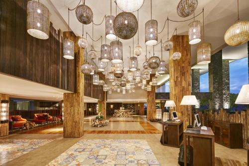 The lobby or reception area at Four Points by Sheraton Bali, Kuta
