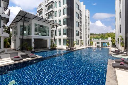 Бассейн в Kamala Regent Phuket Condotel или поблизости