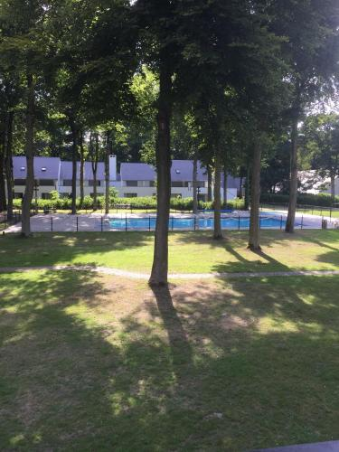 Een tuin van Apartment Acacia 105