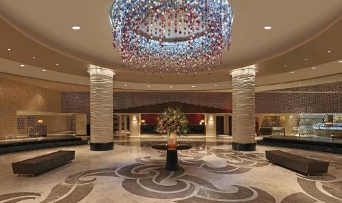 The lobby or reception area at Hilton Chennai