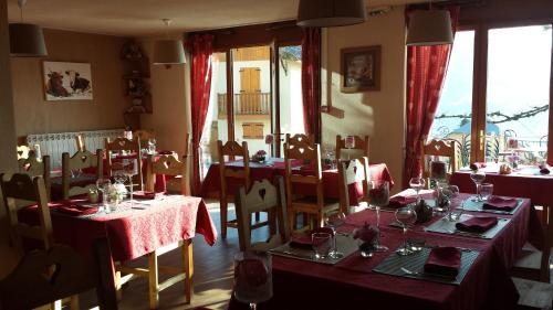 Restaurant ou autre lieu de restauration dans l'établissement Hôtel Le Beauséjour