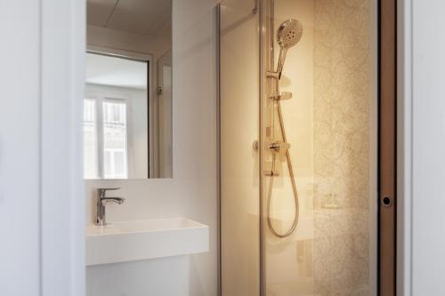 Um banheiro em Le Mireille