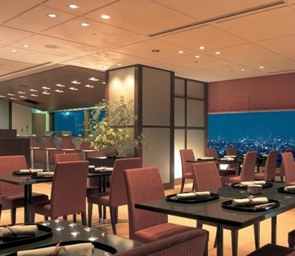 A restaurant or other place to eat at Nakano Sunplaza Hotel