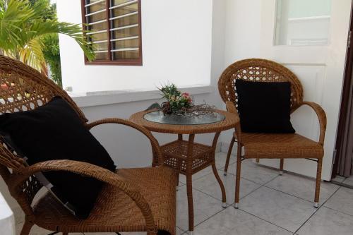 Гостиная зона в Roche Kerlan Apartments