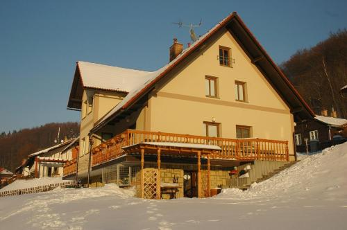 Guest House Jana im Winter