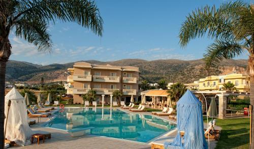 Basen w obiekcie Socrates Hotel Malia Beach lub w pobliżu