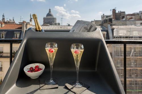 Balcon ou terrasse dans l'établissement Hotel Les Bulles De Paris