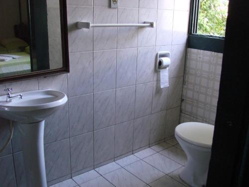 Um banheiro em Hotel Pousada Hospedaria Antiga
