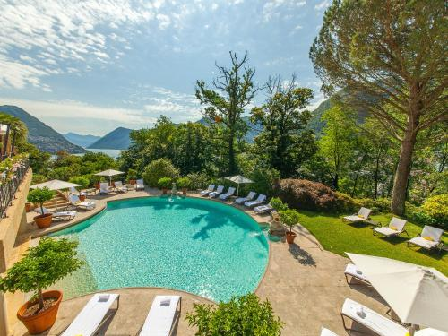 A view of the pool at Villa Principe Leopoldo or nearby