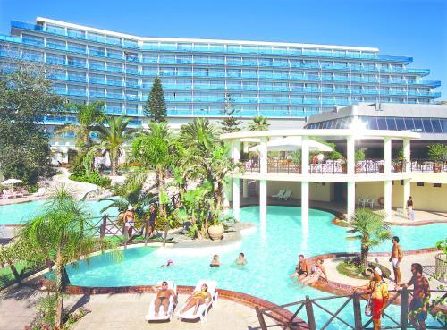 Het zwembad bij of vlak bij Calypso Beach