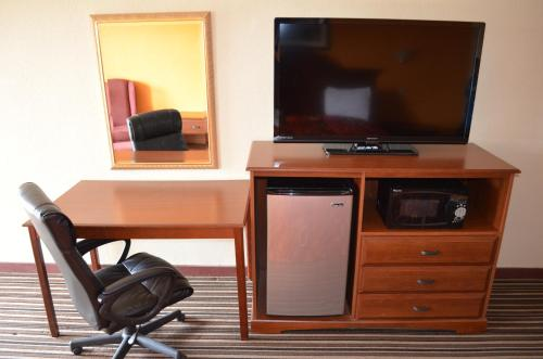 A television and/or entertainment center at Royal Inn Greenville