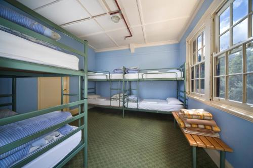 A bunk bed or bunk beds in a room at Jenolan Caves House