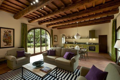 A seating area at Villa Medicea di Lilliano