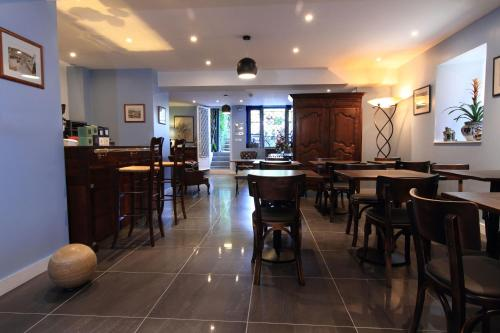 Restaurant ou autre lieu de restauration dans l'établissement Hôtel Ohartzia