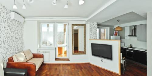 A seating area at Apartment Zvezdova