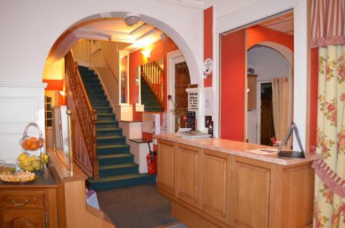 Hall ou réception de l'établissement Hotel Central Anzac