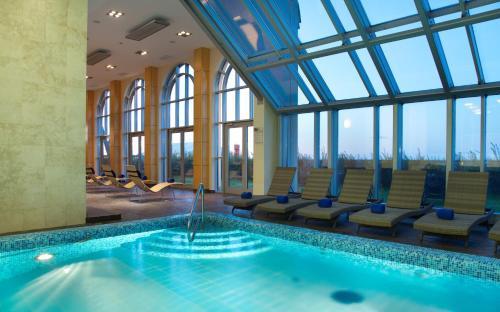 The swimming pool at or near Terijoki Resort Hotel