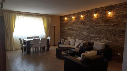 A seating area at Apartment Rustaveli 1