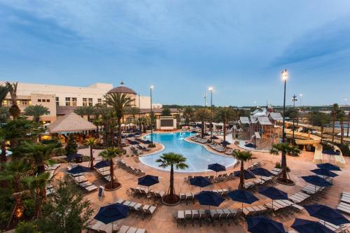 A view of the pool at Gaylord Palms Resort & Convention Center or nearby