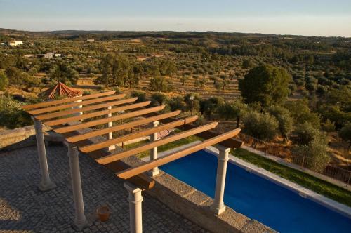 Vista de la piscina de Solar dos Caldeira e Bourbon o alrededores