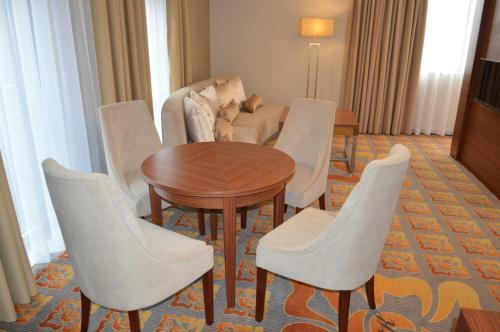 Część wypoczynkowa w obiekcie Hotel Via Baltica