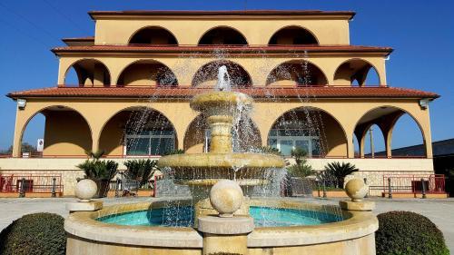 The swimming pool at or near Hotel Ristorante Re Di Cuori