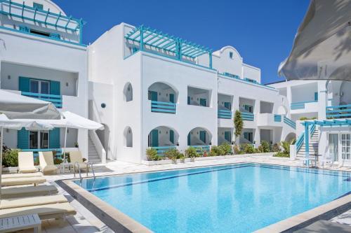 The swimming pool at or near Santellini Hotel