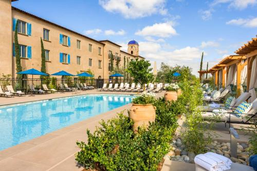 The swimming pool at or near Allegretto Vineyard Resort Paso Robles