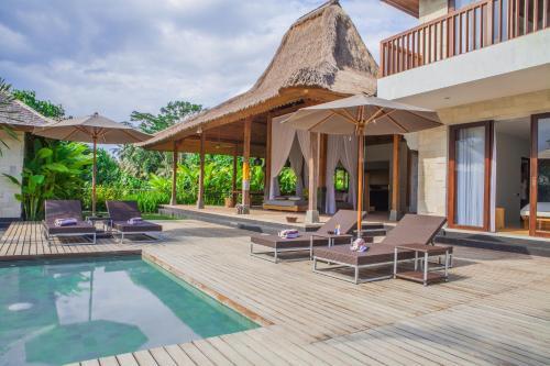 The swimming pool at or near Villa Lumia Bali