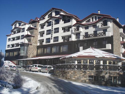 Snezhanka Apartments TMF during the winter